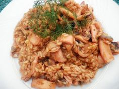 ΚΑΛΑΜΑΡΑΚΙΑ ΜΕ ΡΥΖΙ Seven Fishes, European Dishes, Orzo, Greek Recipes, Recipe Of The Day, Fried Rice, Home Remedies, Risotto, Seafood