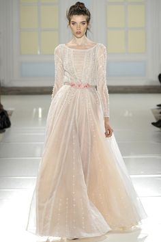 www.vogue.co.uk/fashion/spring-summer-2014/ready-to-wear/temperley-london/full-length-photos/gallery/1037589
