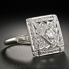 Jewelry Diamond : Square Art Deco Diamond Cocktail Ring – – Lang Antiques - Buy Me Diamond Anel Art Deco, Bijoux Art Nouveau, Art Deco Ring, Art Deco Jewelry, Fine Jewelry, Jewelry Design, Jewelry Crafts, Sterling Silver Jewelry, Antique Jewelry