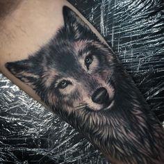 #Repost @beau_parkman_tattoo Work in progress. #wolf #tattoo #art #ink…
