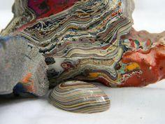 La Fordite, un magnifique minéral formé grâce aux dépôts de peintures automobiles