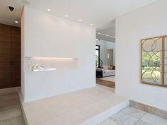 西宮北口ホームギャラリー │ 三菱地所ホーム Look In The Mirror, Things That Bounce, Entrance, Bathtub, Interior, House, Standing Bath, Indoor, Entryway