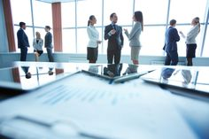 Standing During Meetings Could Increase Creativity, Productivity - Redorbit Corporate Law, Sales Tips, Growing Your Business, Business Women, Workplace, Productivity, Communication, Investing, Stock Photos