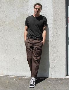 brown dickies 873 Stylish Mens Outfits, Casual Outfits, Fashion Outfits, Mens Fashion, Vans Outfit Men, Bon Look, Skate Style, J Crew Men, Grunge Outfits