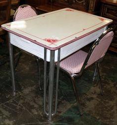 Vintage Pink Dinette Set with drawer ❤️