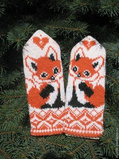 Lots of mittens Crochet Mittens, Mittens Pattern, Crochet Gloves, Knitted Hats, Knit Crochet, Knitting Charts, Knitting Socks, Knitting Stitches, Baby Knitting