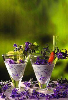 Garden party Dip with edible flowers & veggies!