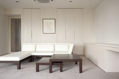 living room | WORKS | SEKI DESIGN STUDIO Simple Modern Interior, Smart Home, Home Living Room, Dining Bench, Couch, Studio, Furniture, Design, Home Decor