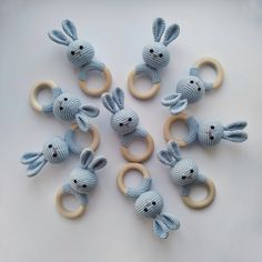 We must decorate our babies' rooms with pleasant and fun materials prepared from the most natural and organic materials. Teething Toys, Baby Teething, Crochet Pacifier Clip, Newborn Toys, Newborn Nursery, Natural Nursery, Nursery Toys, Soft And Gentle, Baby Learning
