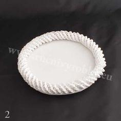 плетение из газет. белый лебедь (3) (550x550, 42Kb)