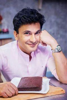 Vikas Khanna my fav chef Man Candy, Indian Food Recipes, Celebrities, 14 November, Chefs, Slay, Mumbai, Discovery, Celebrity