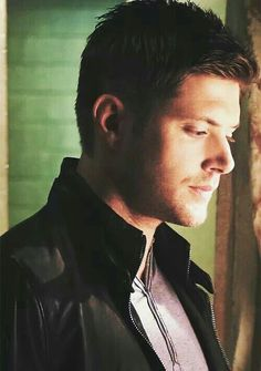 Oh my Dean Winchester! Mary Winchester, Winchester Boys, Jensen Ackles Jared Padalecki, Jensen And Misha, Danneel Ackles, Smallville, Supernatural Jensen, Two Brothers, Actors & Actresses