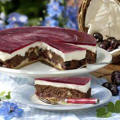 """""""Wenn sich meine Kinder einen Kuchen wünschen dürfen, ist es immer die Rotkäppchentorte"""", erzählt Ulrike Woestmann, die gerne neue Rezepte..."""
