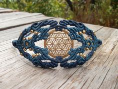 The power of sacred geometry in the Flower of life por LunaticHands