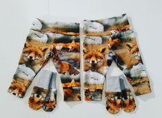 Vauvoille söpöt kettusetit. Housut ja tumput koossa 56. #babyclothes #mittens #fox #diy #vauvanvaatteet Casual Shorts, Women, Fashion, Moda, Fashion Styles, Fashion Illustrations, Woman