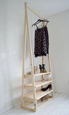 Hoy vamos con un montón de ideas para crear tu propio burro donde colgar la ropa.