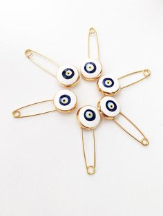 5 pcs evil eye safety pin, white lucky evil eye pin, protection for baby, gold plated evil eye pins Eye Safety, Safety Pins, Baby Shower Gifts, Baby Gifts, Evil Eye Jewelry, Plastic Jewelry, Cute Jewelry, Take That, Let It Be