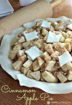 Cinnamon Apple Pie Recipe - apple pie is so easy. I don't know why I don't make it more often.