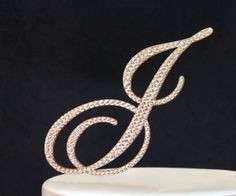 "5"" Monogram GOLD Wedding Cake Topper in any letter A B C D E F G H I J K L M N O P Q R S T U V W X Y Z by InitialMoments on Etsy https://www.etsy.com/listing/178639105/5-monogram-gold-wedding-cake-topper-in"