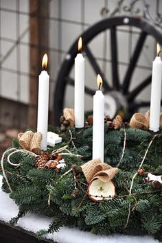 Christmas Table Wreath...5 candles.
