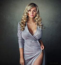 Pin on Sean Archer - Portrait, unbelievably good and popular Beauté Blonde, Blonde Beauty, Sexy Outfits, Sexy Dresses, Femmes Les Plus Sexy, Curvy Women Fashion, Sexy Hot Girls, Gorgeous Women, Malta