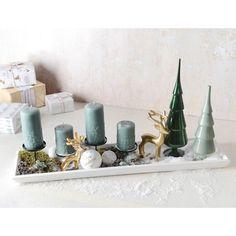 Diesen 4er-Kerzenständer aus Metall könntet Ihr mit extravaganten Kerzen bestücken und so einen echten Hingucker kreieren. Auch als Basis für ein Advents-Arrangement super geeignet!