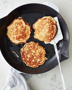 Add some whole grains (hello, oatmeal!) to your pancakes for a heartier breakfast that tastes great and sticks with you too! Grab recipe for satisfying oatmeal pancakes at the link in our bio! Oatmeal Pancakes Easy, Oatmeal Cups, Baked Oatmeal, Oats With Milk, Canned Plums, Pancake Stack, Breakfast Recipes, Breakfast Ideas, Breakfast Healthy