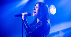 Idina Menzel Performs 'Holiday Wishes' in NYC