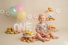 Donut Smash | 1st Birthday | Willow is ONE | Cake Smash – Paige Laro Photography