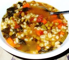 Cheap and Easy Lentil-barley Soup Recipe- I alternate this and a big homemade loaf of bread, with beans and rice with salsa.when we are scrimping to get to the end of the month food budget. Soup Recipes, Cooking Recipes, Healthy Recipes, Yummy Recipes, Recipies, Soup Beans, Barley Soup, Lentil Soup, Vegetable Nutrition