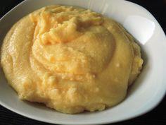 Polenta ist mal eine Abwechslung zu den üblichen Beilagen und im Thermomix ganz schnell gekocht. Polanta passt gut zu allen Schmorgerichten mit viel Soße.