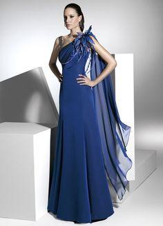 Vestido de fiesta largo asimétrico con gran drapeado en pecho.   Franc Sarabia Colección 2013
