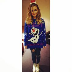 Hair side parting volume loose curls, warm makeup - bronzer, contour, highlight, olaf jumper, rip knee skinny jeans, plimsolls