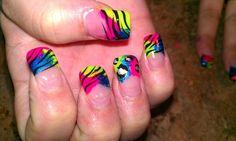 Animal printed nail tips Colourful Nails, Bright Nails, Fingernail Designs, Nail Art Designs, Get Nails, Hair And Nails, Nail Tips, Nail Ideas, Sparkle Nails