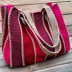 Crochet Purses Design Ravelry: Timeless tote pattern by Holly Ferrier - Crochet Market Bag, Crochet Tote, Crochet Handbags, Crochet Purses, Crochet Purse Patterns, Tote Pattern, Bag Patterns, Sewing Patterns, Crotchet Bags