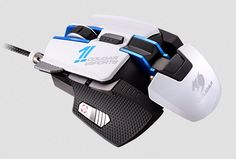 Cougar 700M eSports gaming mouse now available - http://vr-zone.com/articles/cougar-700m-esports-gaming-mouse-now-available/100114.html