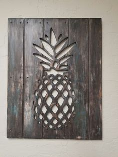 Pineapple wood pallet distressed wall decor brown white turquoise Pineapple Wall Decor, Pineapple Kitchen, Pineapple Art, Turquoise Bedroom Decor, Outdoor Metal Wall Art, Distressed Walls, Carved Wood Signs, Wood Wall Decor, Wooden Art
