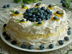 Tort bezowy z kremem cytrynowym i borówkami | KuchniaMniam Jam Recipes, Sweet Recipes, Cooking Recipes, Dessert Dishes, My Dessert, Fresh Fruit Desserts, Pavlova Cake, Anna Pavlova, Meringue Cake