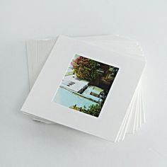 Hey, I found this really awesome Etsy listing at https://www.etsy.com/listing/194789859/20-peices-of-mini-polaroid-photo-frames