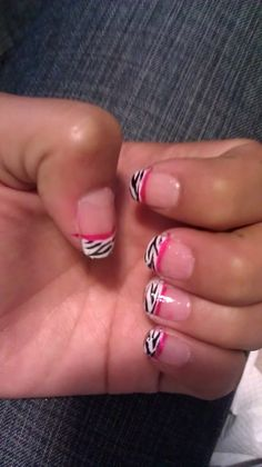 How to Make Zebra Tip With Pink Line Nails