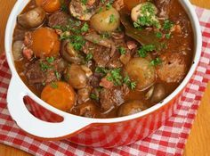 Hearty beef stew recipe for a weeknight treat offers tips on saving money every day. Gma Recipes, Beef Recipes, Dinner Recipes, Cooking Recipes, Favorite Recipes, Delicious Recipes, Slow Cook Beef Stew, Hearty Beef Stew, Slow Cooked Beef