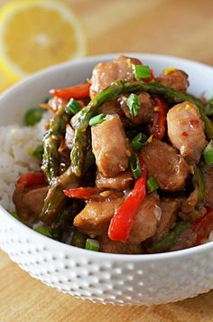 Garlic Lemon Chicken Stir Fry-- a great way to use up fresh spring veggies! | blog.hostthetoast.com