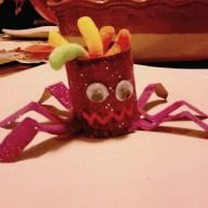 A cute little spider from a toilet paper roll! Simple for kids and so darn cute!!!