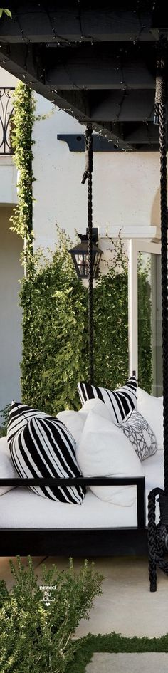 Khloé Kardashian's Outdoor Lounge Area Swing | LOLO❤︎