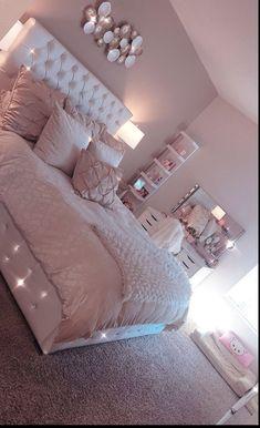 Light Pink Room Decor Bedroom Decor Pink Bedroom Design with Cute Room Decor Small Room Bedroom, Room Ideas Bedroom, Home Bedroom, Teen Bedroom Colors, Girls Pink Bedroom Ideas, Cute Bedroom Ideas For Teens, Light Pink Bedrooms, Dream Bedroom, Bedroom Ideas For Small Rooms