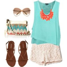 Great Summer outfit for a chic gir Vegas day outfit