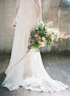 Lace Gown + Unique Bouquet | Relaxed Organic Wedding Inspiration