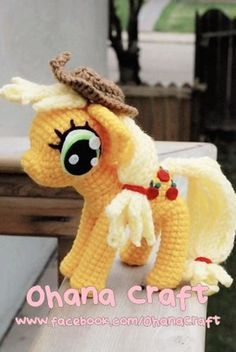 AppleJack My Little Pony crochet pattern Crochet Pony, Crochet Cross, Crochet Dolls, Free Crochet, Crochet Cat Pattern, Crochet Patterns, Crochet Ideas, Knitting Patterns, Crochet Apple