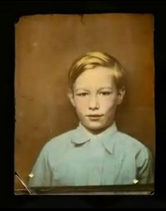 Photograph of Andy Warhol as a young boy about eight years old. Andy Warhol, Great Artists, Music Artists, Pop Art, Vintage Photo Booths, Paint Photography, Young Celebrities, People Of Interest, Actors