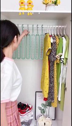 Cool Gadgets To Buy, Cool Kitchen Gadgets, Home Gadgets, Small Closet Organization, Home Organization Hacks, Wardrobe Storage, Bedroom Closet Design, Home Room Design, Closet Space Savers